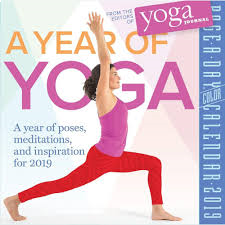 A YEAR OF YOGA PAGE-A-DAY CALENDAR 2019
