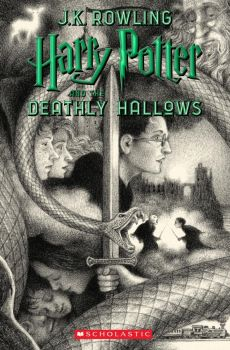 "HARRY POTTER AND THE DEATHLY HALLOWS. ""Harry Potter"", Book 7"